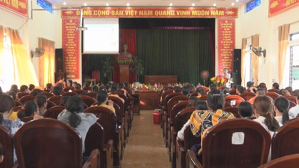 Trung tâm y tế huyện Cẩm Xuyên tập huấn nâng cao chất lượng dân số
