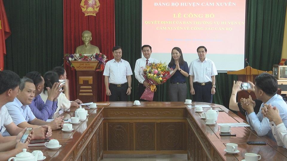 Ban thường vụ huyện ủy Cẩm Xuyên chỉ định đồng chí Lê Đình Phi giữ chức vụ Bí thư Đảng ủy Thị trấn Cẩm Xuyên