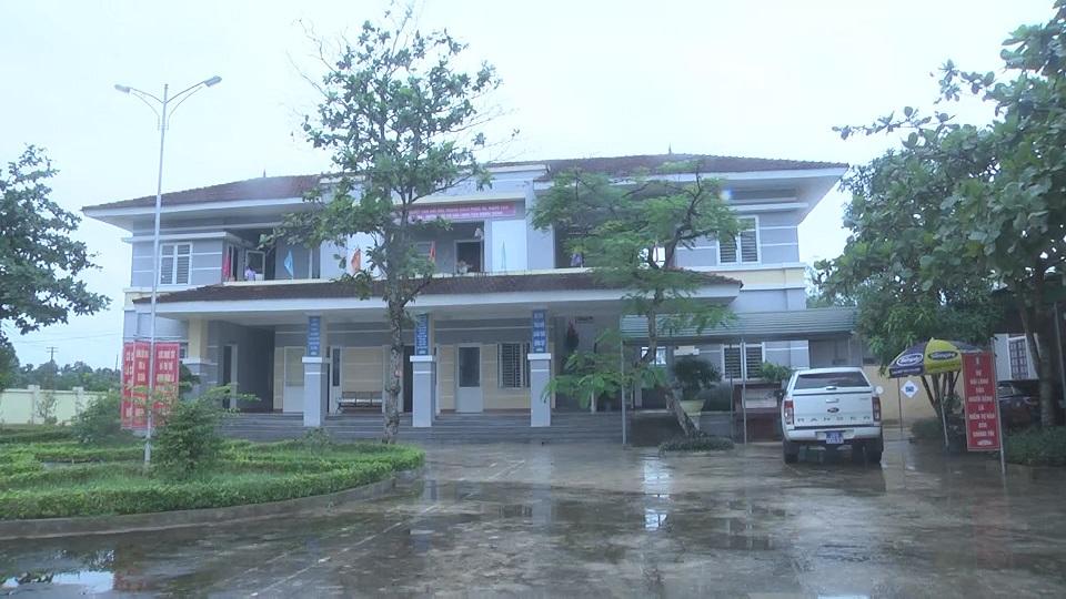 Kiểm tra tại trạm y tế xã Cẩm Thạch