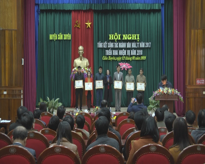 UBND huyên Cẩm Xuyên tổng kết ngành văn hóa thông tin năm 2017 và triển khai nhiệm vụ năm 2018