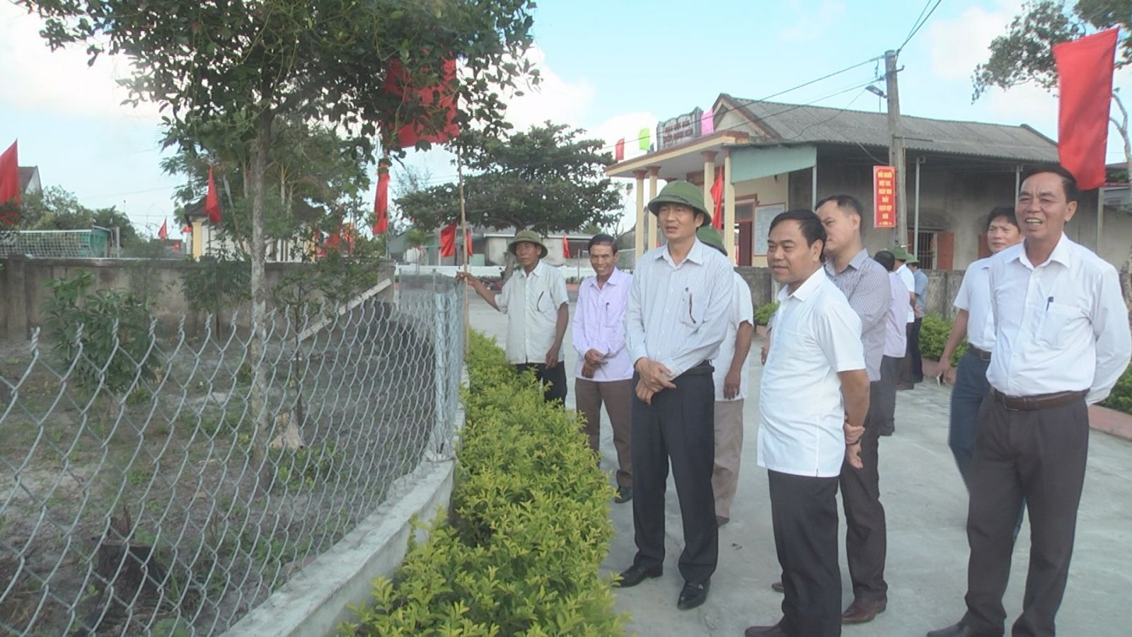 Phó chủ tịch UBND tỉnh Đặng Ngọc Sơn kiểm tra tiến độ NTM tại huyện Cẩm Xuyên