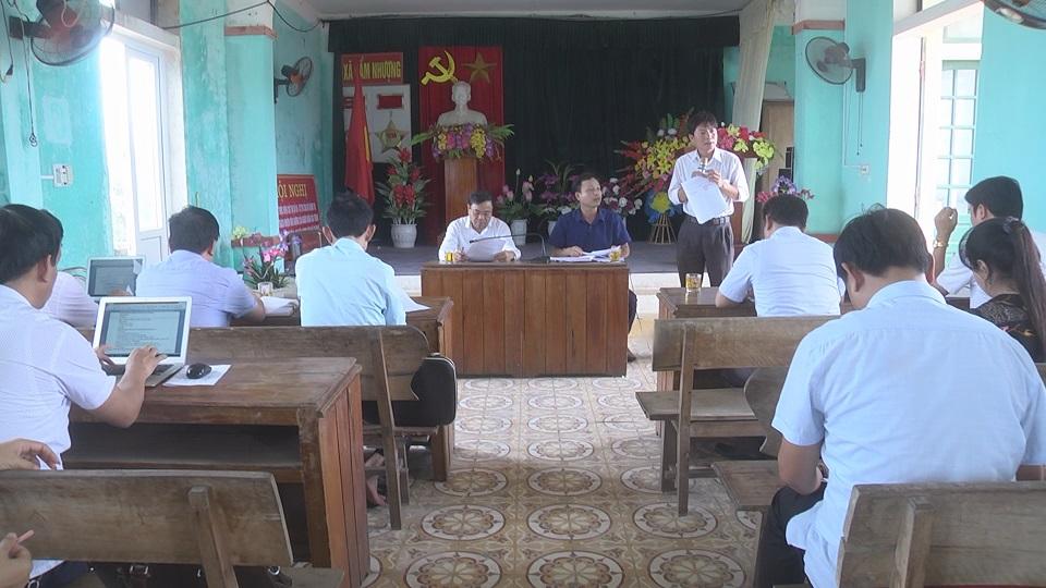 Đồng chí Phạm Đăng Nhật, Phó bí thư huyện ủy, chủ tịch UBND huyện làm việc với xã Cẩm Nhượng về tình hình thực hiện nhiệm vụ xây dựng NTM 6 tháng đầu năm 2019